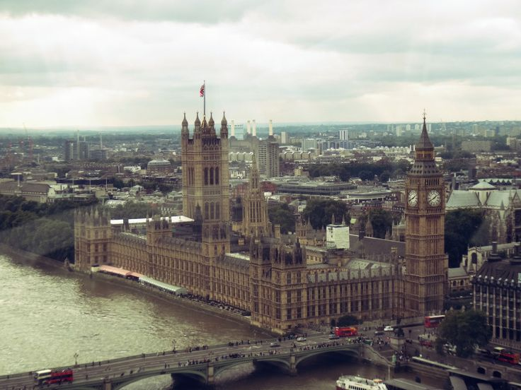 Londres! London, baby! – Let's Fly Away – Difícil escrever sobre um cidade pela qual se é apaixonada. Sim, adoro Londres! London, baby! Para mim a mais bacana das capitais europeias. Sem querer criar polêmica com os fanáticos por Paris, por favor… Alguém concorda comigo? Vou apresentar uma visão geral de Londres e mais tarde escrever alguns post... #blogdeviagem #reinounido #viajar