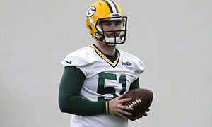 Packers sign long snapper Jesse Schmitt  http://ift.tt/2bdoKnR Submitted August 09 2016 at 05:06PM by Rquu via reddit http://ift.tt/2aKgdom