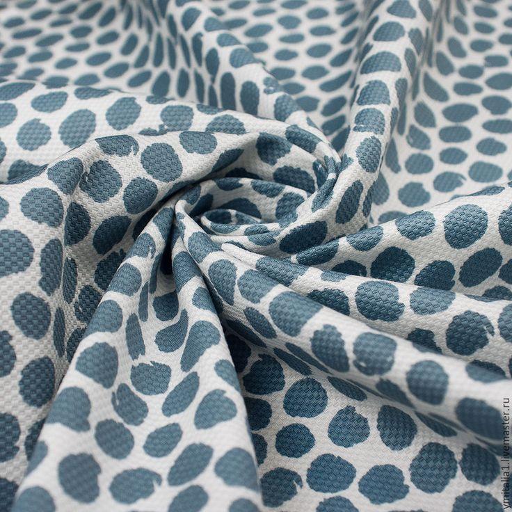 Купить или заказать Хлопок-пике с эластаном ESCADA в интернет-магазине на Ярмарке Мастеров. Замечательный хлопок-пике с абстрактными горошинами цвета разбеленой морской волны Фактурная, приятная на ощупь поверхность. Ткань идеально подойдет для изделий облегающего силуэта, так как очень эластичная. Платья по фигуре и узкие брюки или бриджи, юбки-карандаш, приталенные жакеты - все будет смотреться выигрышно и роскошно. Так же хорошо пике для широких юбок со складками у талии - будет держать…