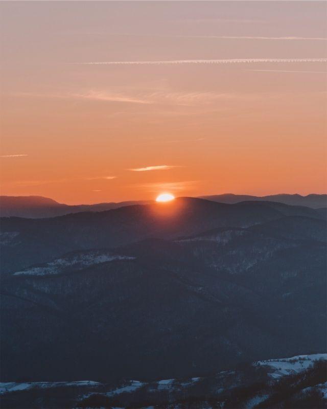 VSCO – Enjoy every sunset and look forward to every sunrise 🧡✨ || #sunset #sunrise #magical #dreamy #mountains #snow #orange #sunshine #travel #wanderlust | jovanvasiljevic
