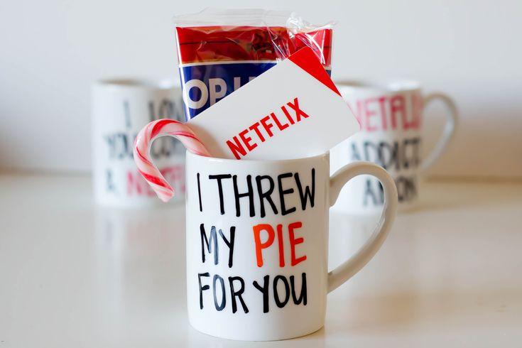 DIY Netflix Coffee Mugs, a Great Last Minute Holiday Gift!