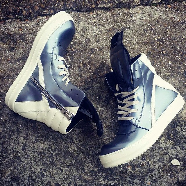 Rick Owens silver 'GEOBASKET' leather high top trainers. #rickowens #rickowensdrkshdw #drkshdw #drkshdwbyrickowens #GEOBASKET #footwear #mensfootwear #fashion #style #menswear #mens #mensfashion #mensstyle #boutique #mensboutique #mensclothing #clothing #sneaker #sneakerfreak #sneakergeek #sneakerholics #sneakernews #sneakerzone #luxurious #luxurylifestyle #lifestyle #SS15 #zoofashions #zoo #zoolife