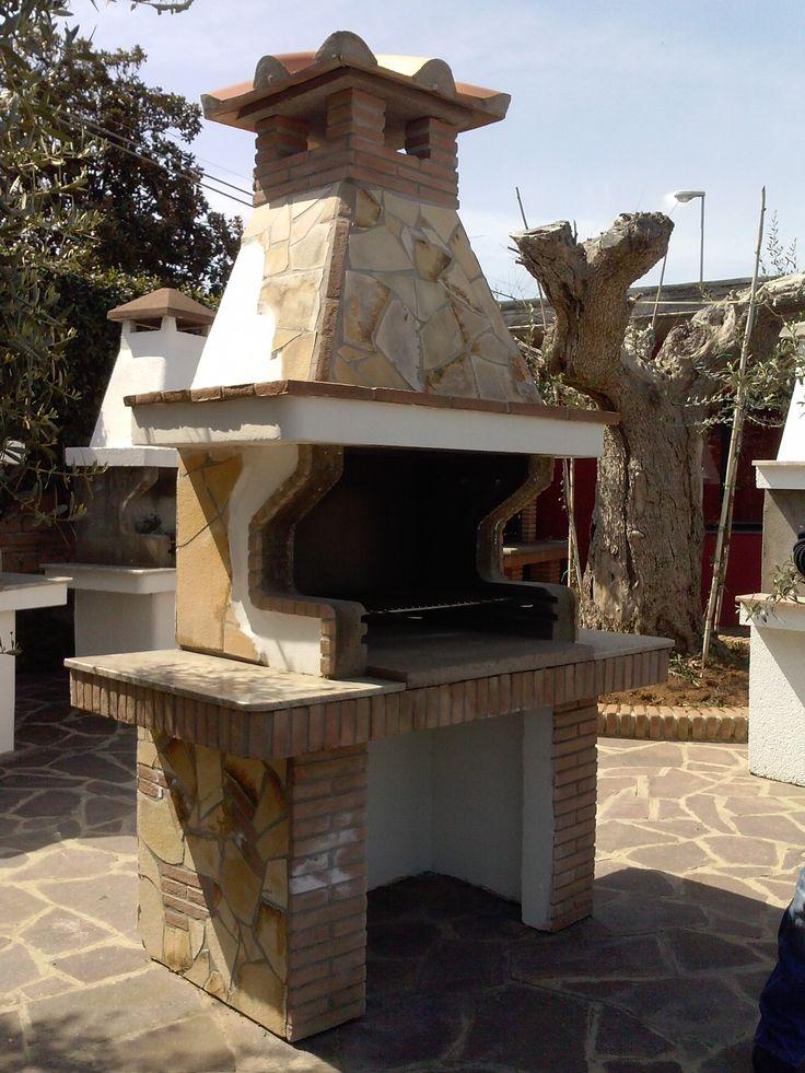 Barbecue rivestito in pietra arredo giardino pietre - Barbecue in giardino ...