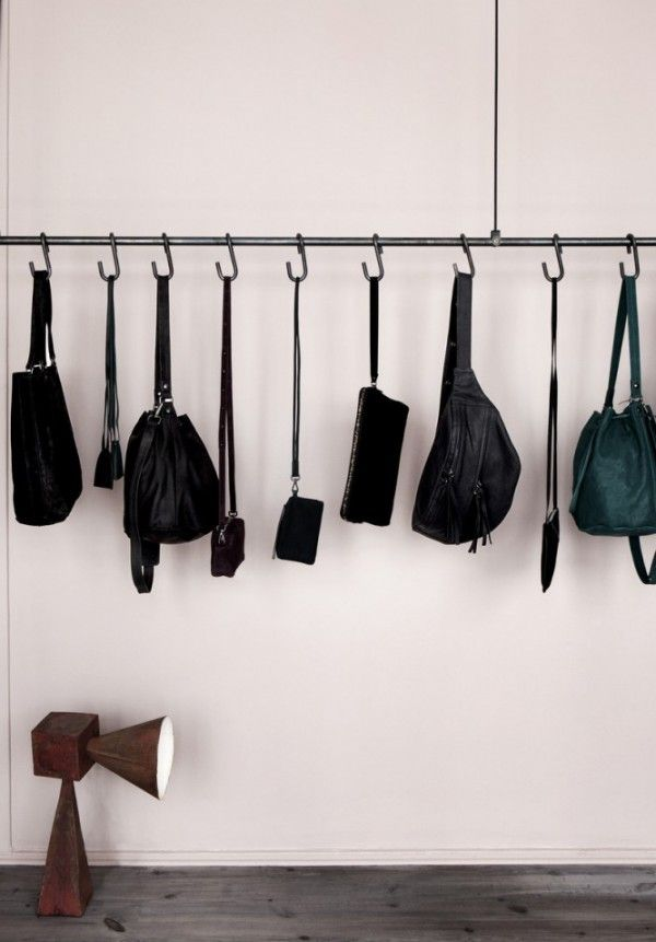 Saturday Job: Display your bags - http://www.decorationarch.com/home-design-tips/saturday-job-display-your-bags.html -