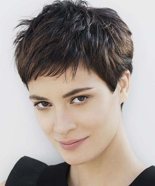 Tocchi di luce e stile sofisticato.  #capellicorti  #Shorthair #hairstyles #taglicapelli2014 http://www.beautydea.it/tagli-capelli-primavera-estate-2014-franck-provost/