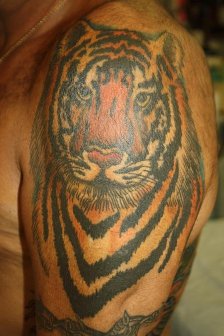 Color Tattoo Black Skin Color Tattoos On Dark Skinned People