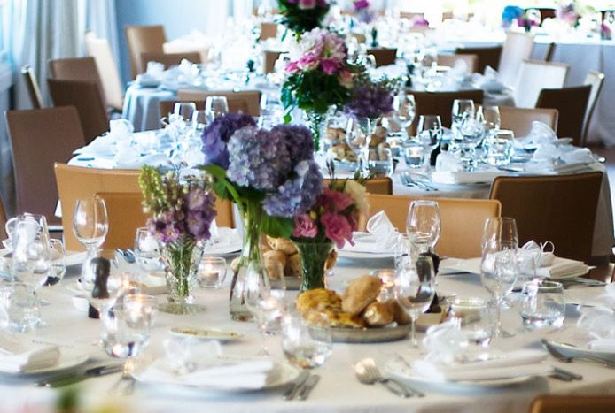 Pastel blooms - Hydrangeas and English roses #floral #blooms #styling #centrepieces #table #decor #flowers Flowers: Gai Hyde / PC: Akila Berjaoui + Mim Connell