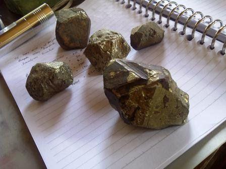 Jual Bongkahan Batu Emas Edisi Terbatas