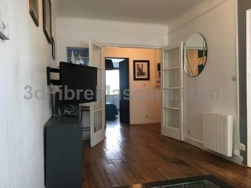 Appartement Ouest/Montparnasse Paris Appartement Ouest/Montparnasse offers accommodation in Paris, 2.2 km from Paris Expo - Porte de Versailles and 2.8 km from Orsay Museum. The apartment is 3 km from Notre Dame Cathedral. A flat-screen TV is featured. Eiffel Tower is 3.