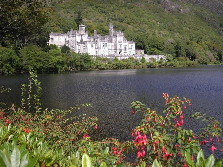 ユーラシア旅行社で行くアイルランドツアーのカイルモア修道院
