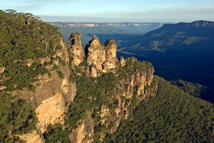 Three Sisters at Sunset, Blue Mountains National Park, New South Wales