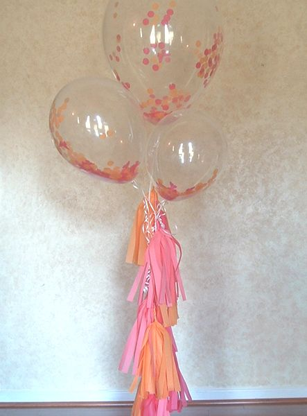 Decoration with somon and pink tissue paper tassel garland!  #tissue #tissuepaper #tassels #tasselgarland #garland #decoration #decorationideas #decorationmariage #balloons #somon #pink #christening #christeningballoons #ideas