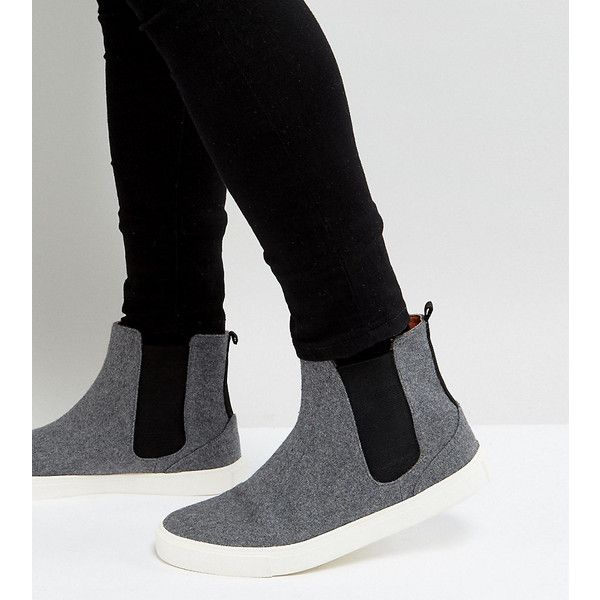 ASOS Wide Fit Chelsea Trainers In Grey Warm Handle (1,165 HNL) ❤ liked on Polyvore featuring men's fashion, men's shoes, men's sneakers, grey, mens grey slip on shoes, mens wide fit shoes, mens gray shoes, mens round toe dress shoes and mens wide shoes