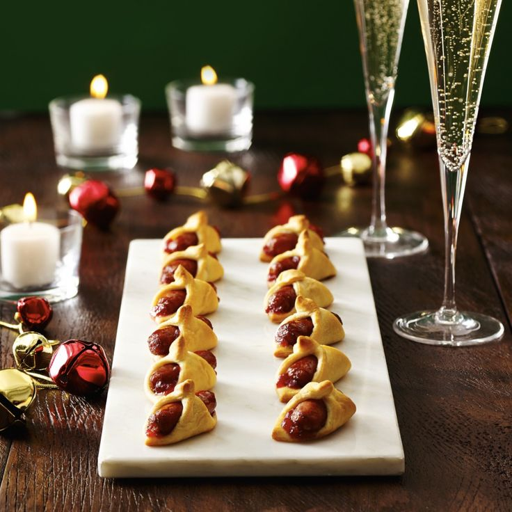 These easy Christmas party recipes won't keep you trapped in the kitchen. These festive morsels will keep your party moving. 40 Easy Christmas Party Appetizers. Cathryn Jakicic October 10, These easy-to-make Christmas appetizer ideas will keep your holiday party moving. 1 / It looks fancy but is easy to make. You can even fill.
