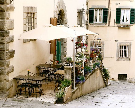 tuscan decor sunny spots tuscany italy italian decor coffe shops
