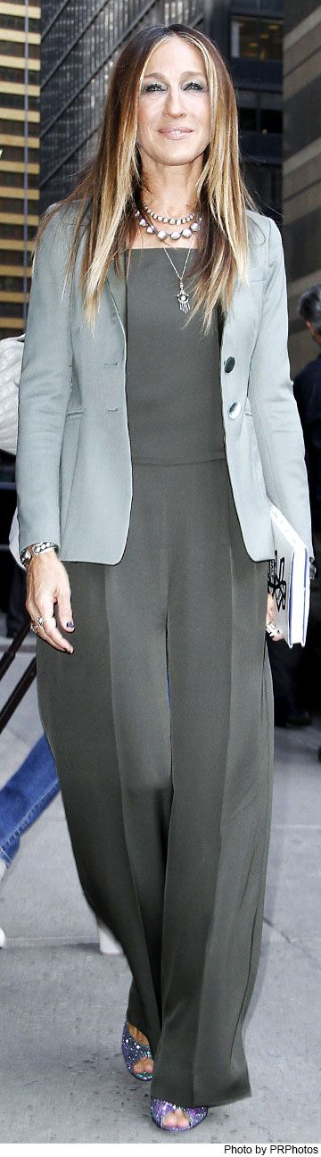 Sarah Jessica Parker Wearing Theory Jumpsuit-Late Show with David Letterman on April 13, 2015