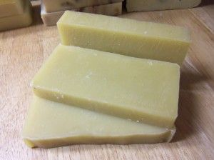 7 Homemade Shampoo Soap Recipes -All natural ingredients and essential oils. Choose your favorite! Simple Life Mom
