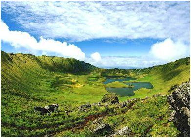 Lagoa do Caldeirão do Corvo - Ilha do Corvo, Açores (Portugal).