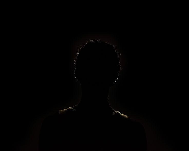 Aldo Soligno, M. 24 anni, dalla serie Let them show their faces, Stampa digitale su carta baritata, cm 80 x 100, ed. 1/5.