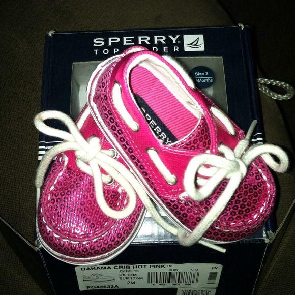 Little girl Sperry's