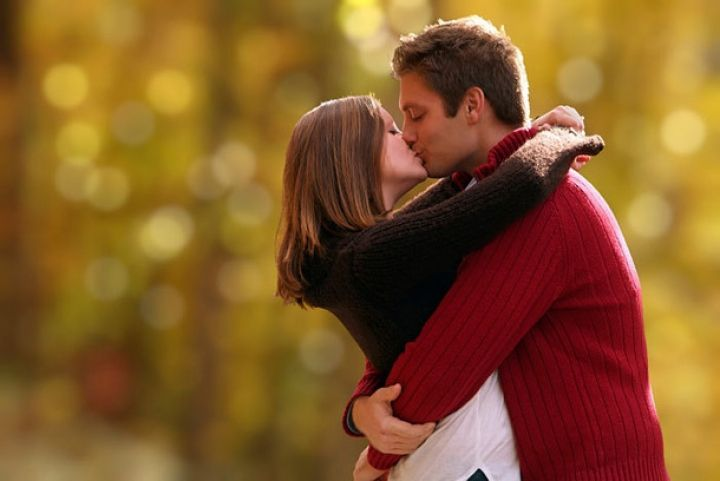 romantic lip lock wallpapers images (9) - HD Wallpapers Buzz