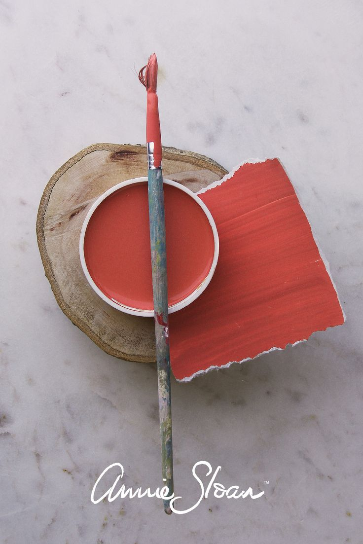 An easy Coral paint colour mix using Barcelona Orange, Emperor's Silk & English Yellow by Annie Sloan