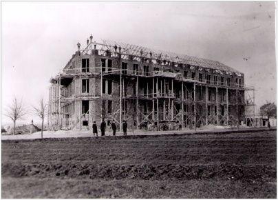 stavba školy