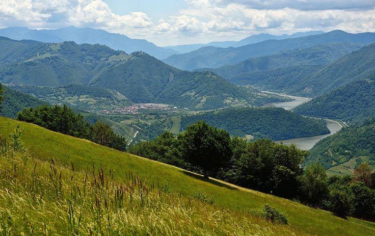Muntii Lotrului, Romania