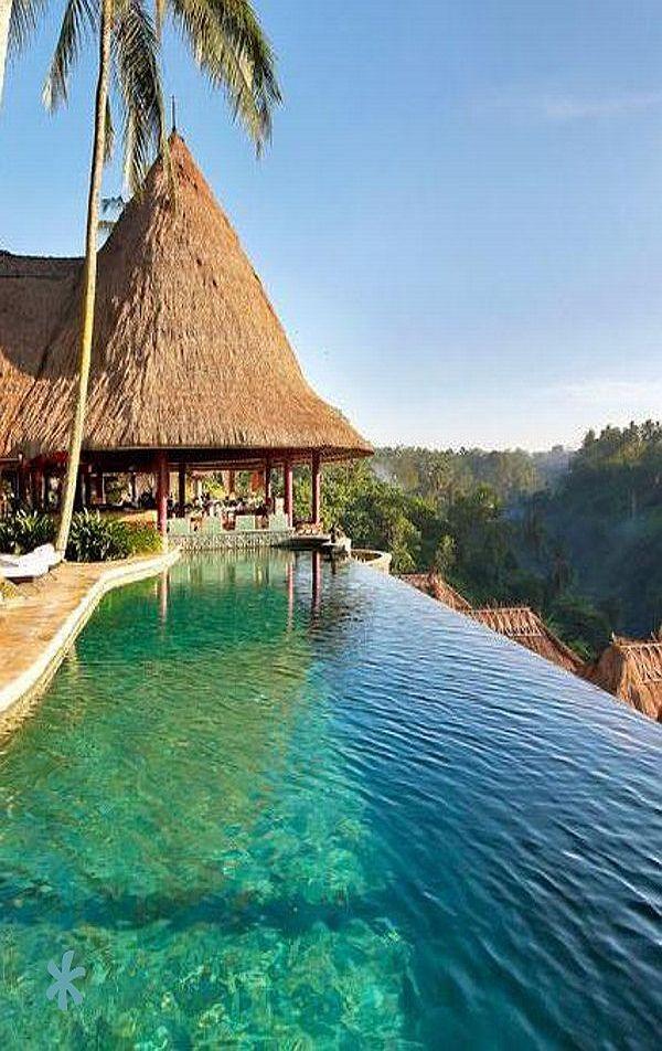 Emmy DE * vanishing edge pool at the Viceroy Bali