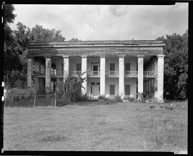 Belle Helene, Geismar, Ascension Parish, Louisiana  Digital ID: (digital file from original negative) csas 01392 http://hdl.loc.gov/loc.pnp/csas.01392  Reproduction Number: LC-DIG-csas-01392 (digital file from original negative)  Repository: Library of Congress Prints and Photographs Division Washington, D.C. 20540 USA http://hdl.loc.gov/loc.pnp/pp.print