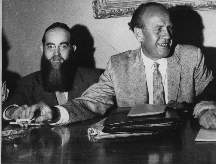 a biography of oscar schindler an ethnic german industrialist and spy Schindler's list he came to israel to donate his oscar to yad vashem  oskar  schindler was an ethnic german industrialist, spy, and member of the nazi party  who is credited with saving the lives ofmore schindler's list.