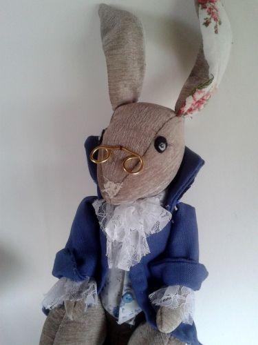 lapin en tissu, patron lapin, couture facile, tuto lapin, alice au pays des…