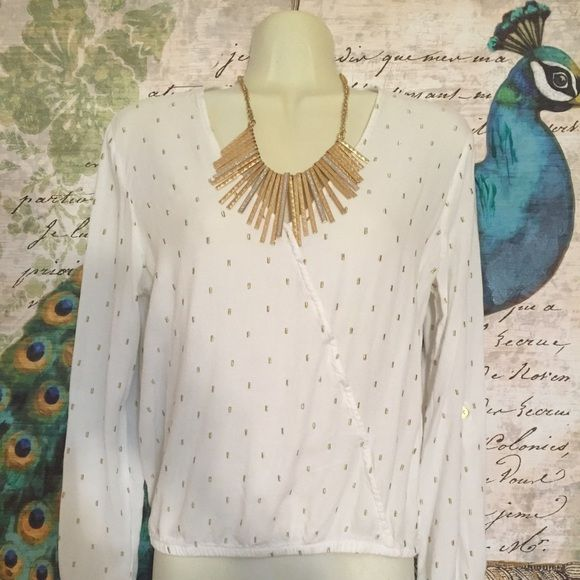 Beautiful White & Gold long sleeves Top Very simple white & gold top. Carmen Marc Valvo Tops Blouses