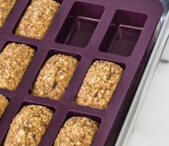 Store-bought protein bars can be full of artificial ingredients and sugar. These healthier bites pack a big protein punch in a petite package.Perfectly Balance your plate:Enjoy 3 petites with 1 C (250 ml) 2% plain Greek yogurt and 2 C (250 ml) berries, or 6 petites and 2 servings of fruit or a large banana.