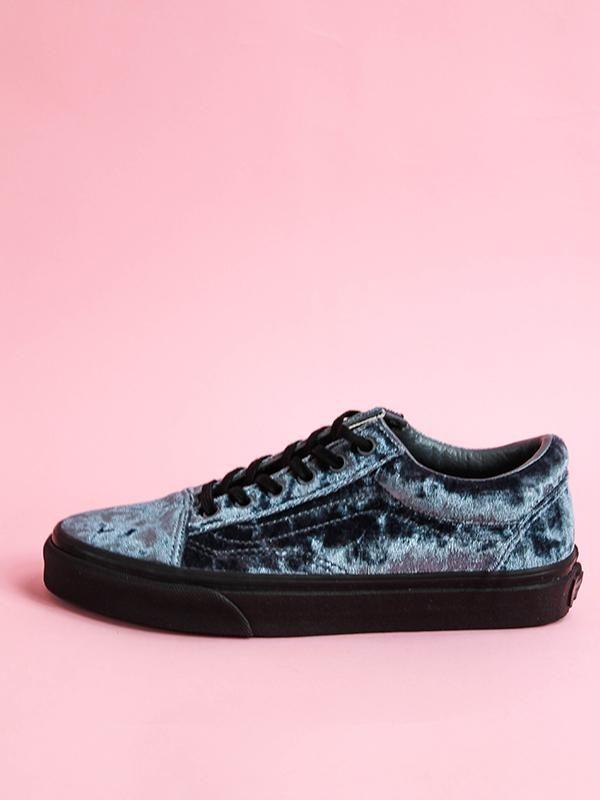 9ed3e27e044 Old Skool  Gray   Blue Velvet – Edge of Urge  edgeofurge  vans  velvetvans   velvet  shoes  bluevans  comfyshoes  northcarolina