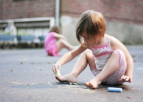 Przeczytaj: 40 pomysłów na zabawę z dzieckiem w eko-parentingowym serwisie dziecisawazne.pl