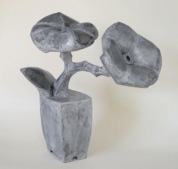 Mary Geradts: Plantje I - 2010 zink 50 x 50 x 32