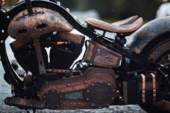 Awesome: Een motorfiets met tatoeages |