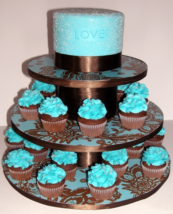17 best ideas about turquoise cake on pinterest blue for Brown and aqua bathroom ideas