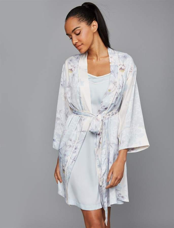 8afe6a2c98f85 Relaxed Fit Nursing Nightgown And Robe #strap#neck#relaxed | Gown ...