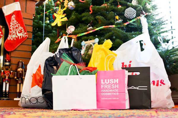 How to Christmas shop like a boss at The Shops at Mission Viejo or any local mall!