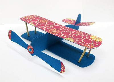 Cute paper biplane! Free template with instructions.