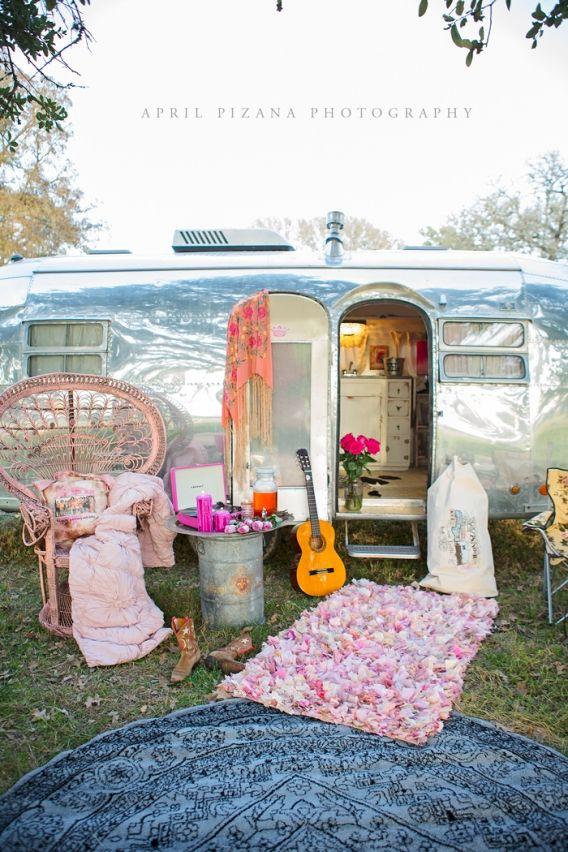Miranda Lambert's moms airstream /// junk gypsy co /// APRIL PIZANA PHOTOGRAPHY