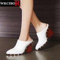 Mujer zapatos de moda las mujeres bombea zapatos de tacón Alto blanco 2017 señoras tacones Gruesos zapatos atractivos de punta estrecha verano zapatillas diapositivas sandalias de las mujeres