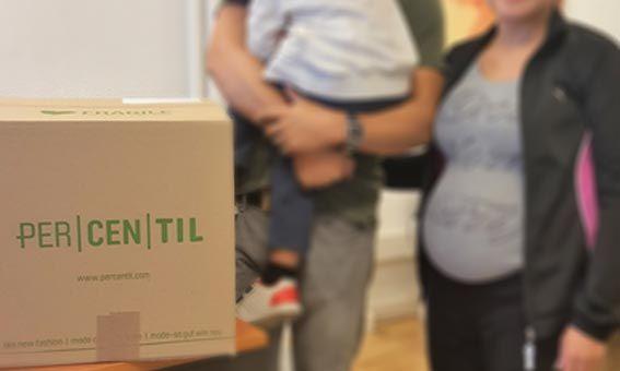 PERCENTIL, tienda online de ropa de segunda mano, realizó una donación de 800 prendas que beneficiarán a una veintena de familias numerosas de Madrid