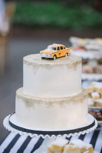 Elegant NYC Themed Wedding In South Carolina | Joshua Aaron Photography http://joshuaaaronphotography.com | featured on http://fabyoubliss.com