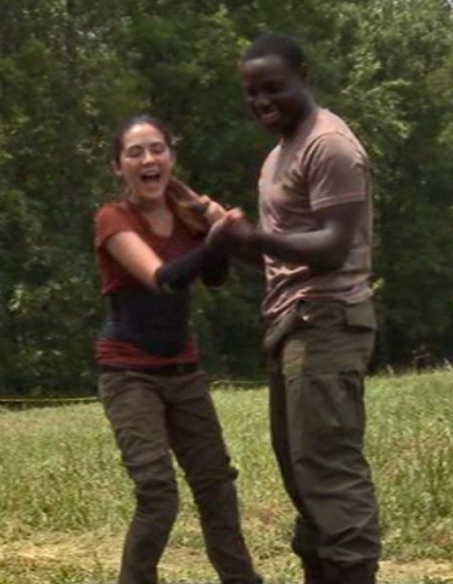 From left to right, Isabelle Fuhrman, Dayo Okeniyi :3