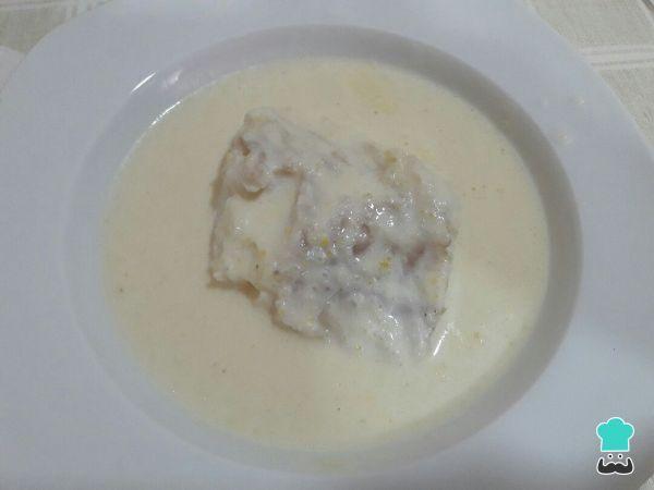 Aprende a preparar bacalao con salsa de limón con esta rica y fácil receta. Hoy toca cocinar pescado y lo que haremos será un rico pescado con salsa de cítricos...