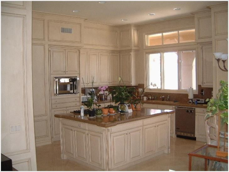 Cream Glazed Kitchen Cabinets Ideas Dengan Gambar