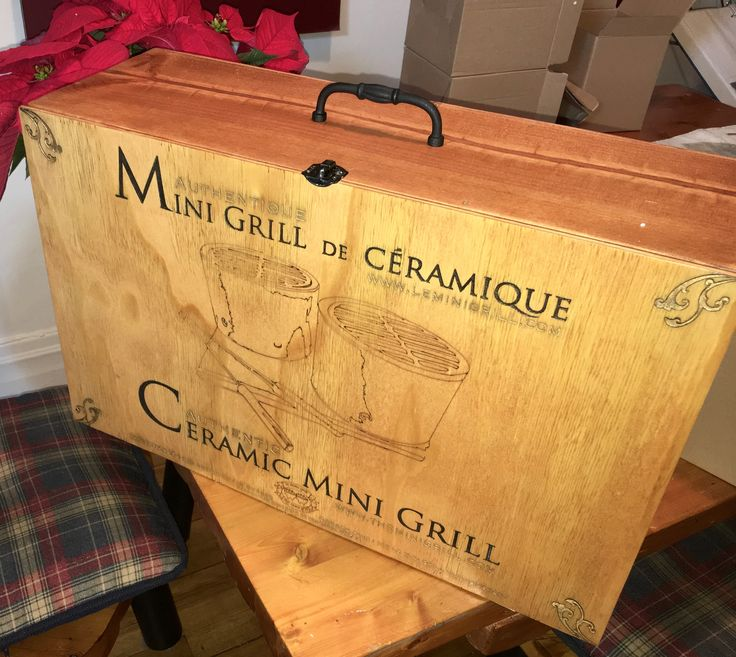 Retro box set for our original Mini Grill product. This item is a collection item authenticated, numbered and signed. We built it on demand. For a original and authentic gift, corporative gift or your own Mini Grill set, this is the perfect item.
